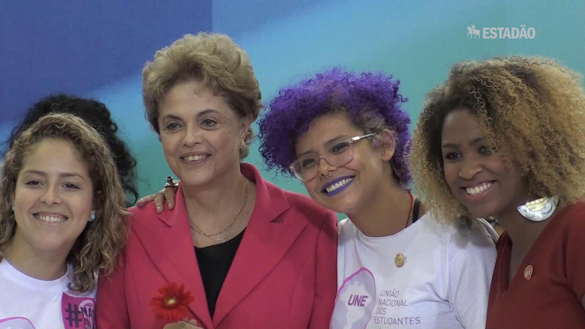 Dilma recebe mulheres representantes da Marcha das Margaridas e da CUT