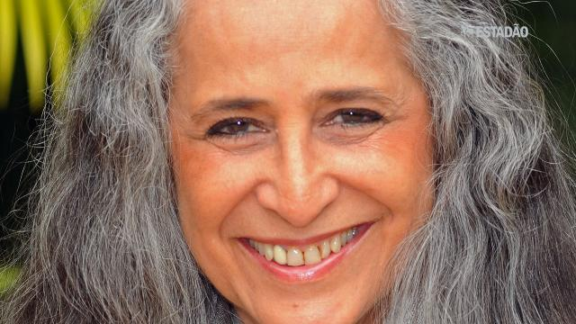 Maria Bethânia lança novo CD