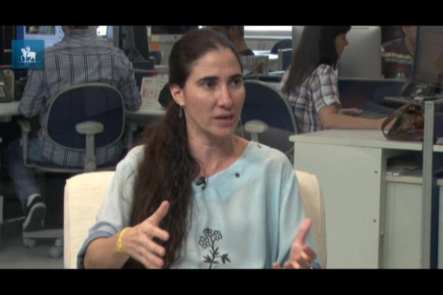 """Yoani Sánchez: """"Vivemos na ilha dos desconectados"""""""