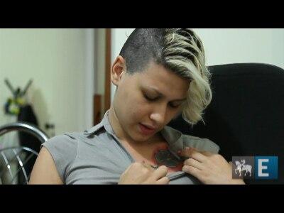 Acusada de nazismo, líder do Femen explica tatuagem