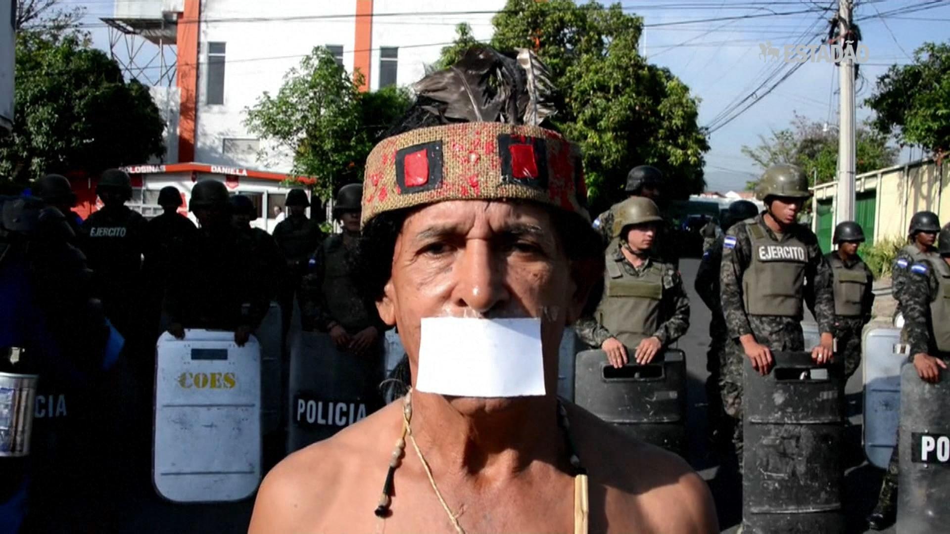 Protesto contra fechamento de TV opositora em Honduras