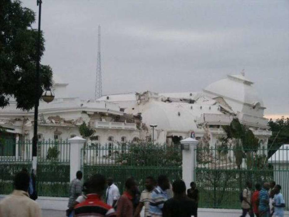 Palácio Presidencial ficou completamente destruído; sede da ONU também desabou