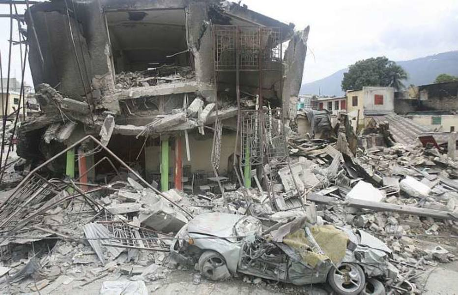 Imagens de destruição em Porto Príncipe, capital do Haiti