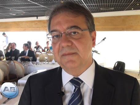 Bradesco projeta emprego estável no Brasil