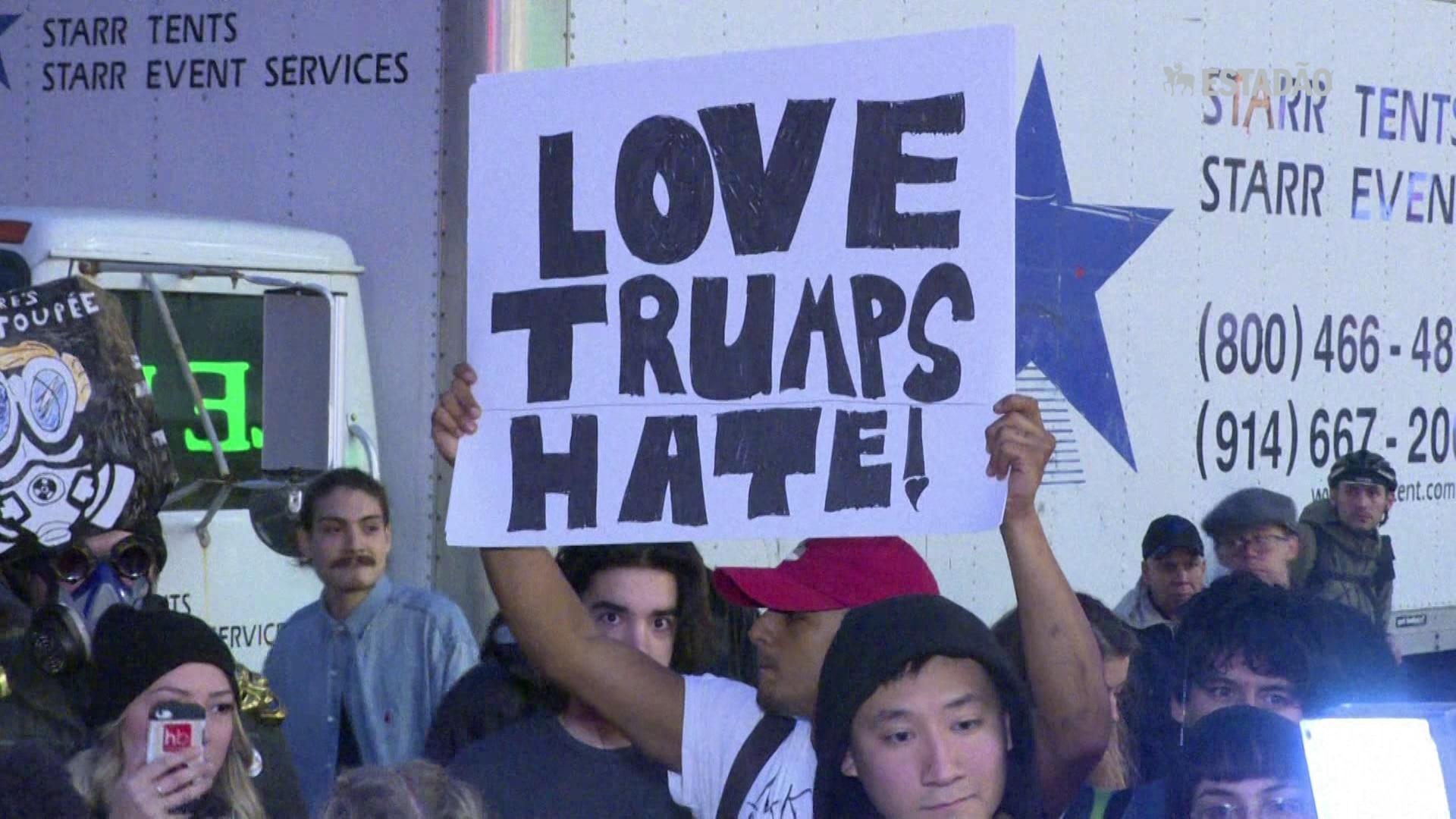 Triunfo de Trump causa protestos em todo o mundo