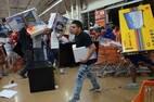 Mexicanos saqueiam loja no porto de Veracruz durante protesto contra o aumento de até 20% no preço dos combustíveis
