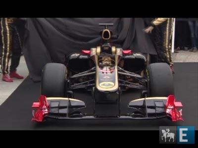 Lotus Renault apresenta o R31, nas cores preta e dourada