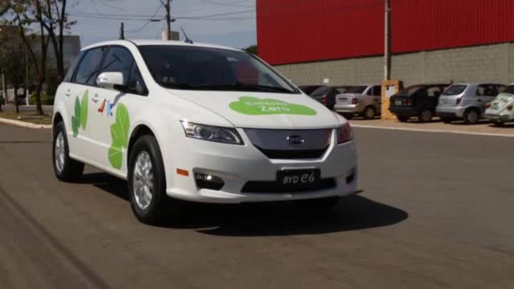 Elétrico, BYD e6 chega ao País em 2015