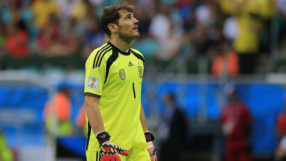 Iker Casillas, que estava há 433 minutos sem tomar gols em Copas do Mundo, perdeu a chance de bater o recorde do italiano Walter Zenga por causa de 41 minutos.