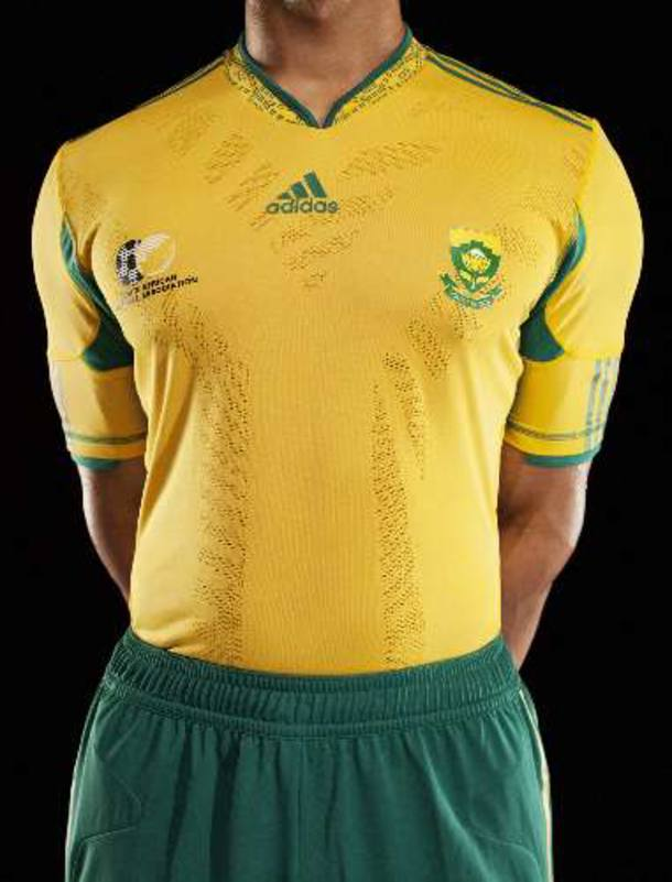 África do Sul apresenta a camisa que pretende usar na Copa do Mundo de 2010