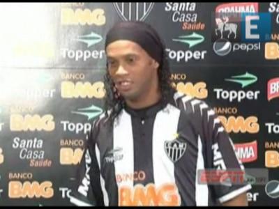 Ronaldinho e Flamengo: erros dos dois lados