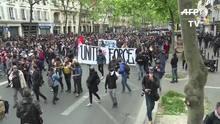 Milhares protestam contra Macron em Paris