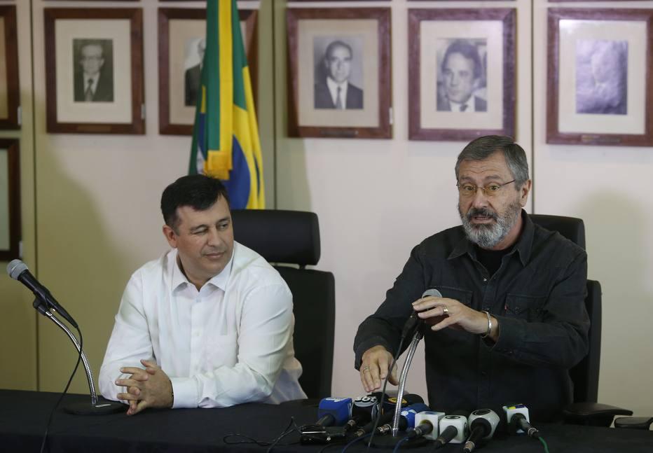 Ministro da Justiça não garante permanência de diretor da PF