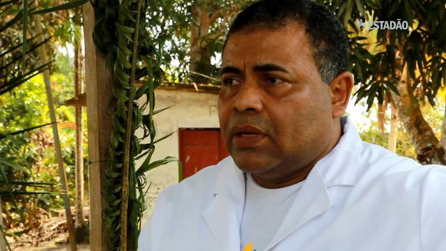 Para atender indígenas, médicos cubanos vivem dentro de aldeias