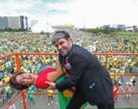 Apesar da seriedade do assunto, brasilienses ironizam Dilma e Lula com bom humor