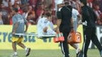 Lucas Lima saiu de campo em maca após se contundir na partida