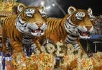 O abre-alas, imponente, com 75 metros de comprimento e 15 metros de altura, carregava o tigre, símbolo da agremiação
