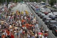 O bloco 'Chega Mais' também desfilou e agitou ainda mais o público