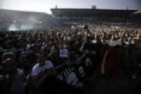 55 mil pessoas se reuniram no Estádio Nacional em Santiago