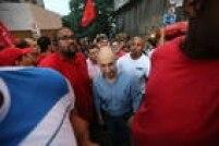 Presidente do PT, Rui Falcão chega à manifestação