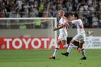 Apesar de derrota para o Atlético-MG por 2 a 1, no estádio Independência,gol de Maicon garante classificação do São Paulo às semifinais da Libertadores 2016