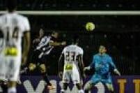 Rafael Moura decretou a derrota do São Paulo para o Figueirense, pelo Brasileiro