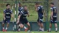Edu Dracena treina entre os titulares no Palmeiras