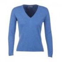 """Suéter de cashmere Johnstons of Elgin, 240 libras.""""A marca parece ser séria, começou a fabricar no século XVIII e mantém sua produção de forma controlada e familiar na Escócia"""", diz Gabriela."""