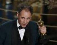 Mark Rylance desbancou o favoritismoChristian Bale (A grande aposta), Tom Hardy (O regresso) e atéSylvester Stallone (Creed) e ficou com o Oscar de melhor ator coadjuvante com Ponte de Espiões, no qual contracenou com Tom Hanks e foi dirigido Steven Spielberg.