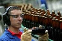 Os trabalhadores que fazem duas integrações por dia vão gastar R$ 11,84. Uma cerveja de garrafa de 600 ml custa até R$ 11
