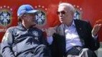 Ele chegou a revelar que pedia as convocações ao treinador 24 horas antes da liberação, o que depois foi desmentido pelo técnico Mano Menezes