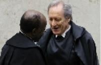 """""""Nós queremos fazer nosso trabalho, e não chicana"""" - Em um bate-boca entre Barbosa e Lewandoski, no dia 15 de agosto, o presidente da Suprema Corte acusou o ministro de tentar adiar o julgamento do mensalão."""