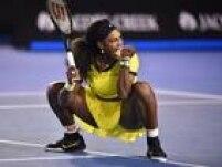 Serena Williams comemora vitóriaAgnieszka Radwanska que significou passagem à final do Aberto da Austrália