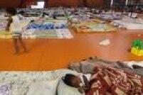 Moradores desalojados passaram a noite no ginásio de Mariana