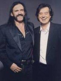 Um dos maiores baixistas do mundo ao lado de um dos maiores guitarristas. Se Motorhead manteve longevidade e qualidade musical por 40 anos, o Led Zeppelin permanece como influência até para um gigante como Lemmy