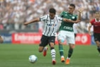 Corinthians consegue virar o placar no primeiro tempo do clássico