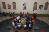 Cerimônia pelos 3 anos da morte de Chávez ocorre perto de túmuto do ex-presidente