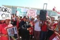 Com a posse do ex-presidente Lula como ministro da Casa Civil, manifestantes pró e contra governo se concentram nas proximidades do Palácio do Planalto