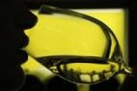 6 - As bebidas alcoólicas também podem ativar uma crise. Adoçantes como o aspartame fazem parte da lista