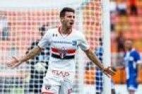 Calleri vibra com gol do São Paulo