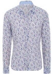 Segundo Gabriela, além da preocupação social, as camisas são bonitas e amarrotam pouco. A da foto sai por 69,95 euros.