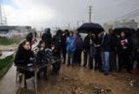 """Em entrevista ainda no campo de refugiados, Angelina Jolie disse não ser possível melhorar a realidade dessas pessoas com """"respostas parciais"""" das autoridades"""