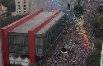 17 trios elétricos já estavam confirmados na Parada Gay de São Paulo. A organização espera contar com 22 carros de som na 17ª edição