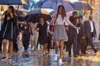 Filhas de Obama, Sasha (esq.) e Malia (dir.) acompanham seus pais em visita à Catedral de los Angeles em Havana