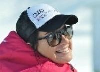 A russa Maria Komissarova sofreu uma lesão na coluna vertebral enquanto treinava para a disputa do esqui cross country. Com fratura na 12.ª vértebra, na parte de baixo das costas, ela foi submetida a uma cirurgia de emergência.