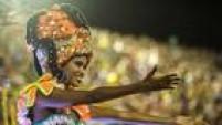 A escola de samba abriu o Grupo Especial do carnaval do Rio com uma homenagem a São Jorge