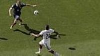 A Alemanha começou o duelo melhor, e mostrou sua força ofensiva logo no início da partida