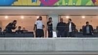 Apenas uma parte dos camarotes da Arena Corinthians estava aberta. Algumas das estruturas que irão receber chefes de estado e personalidades na abertura da Copa do Mundo ainda não está pronta.