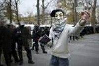 Uma marcha prevista para este domingo em Paris, antes da cúpula sobre mudança climática, em Le Bourget, foi proibida pela polícia