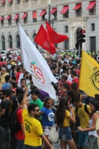 A manifestação teve, além do Movimento Passe Livre, adesão decoletivos estudantis, secundaristas que participaram das ocupações em escolas, juventude de partidos políticos de esquerda e o Sindicato dos Metroviários.